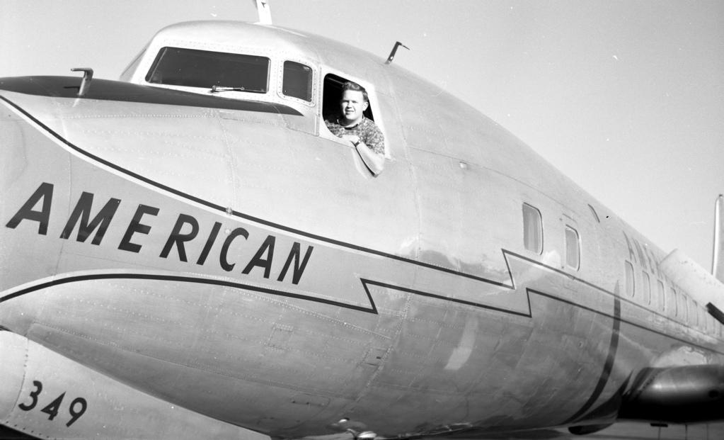 AA DC-7 cockpit