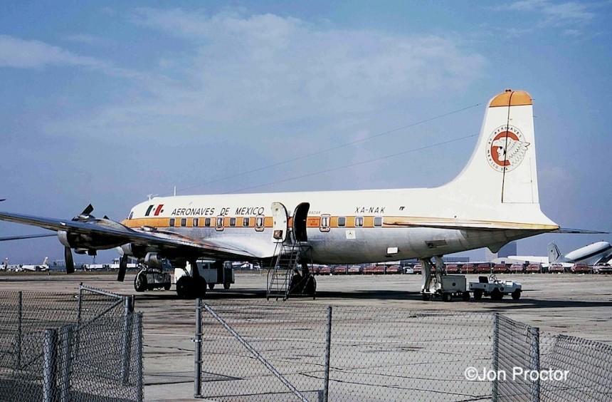 113 DC-6 XA-NAK LAX 5:67