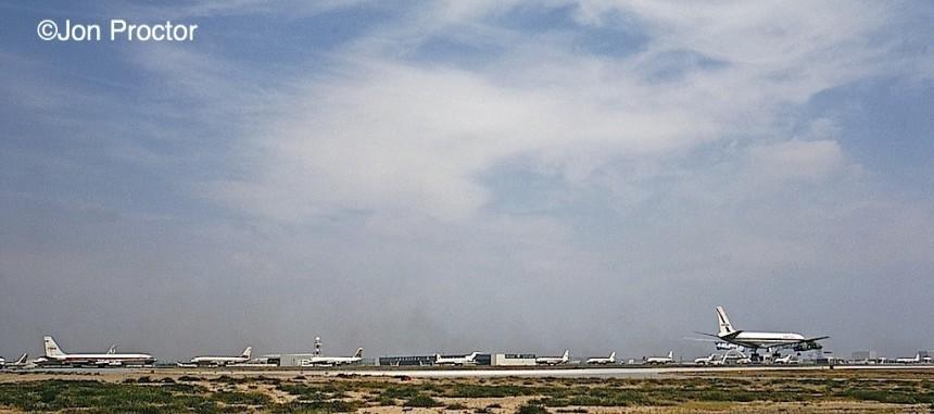 134 LAX-469-Landing-east