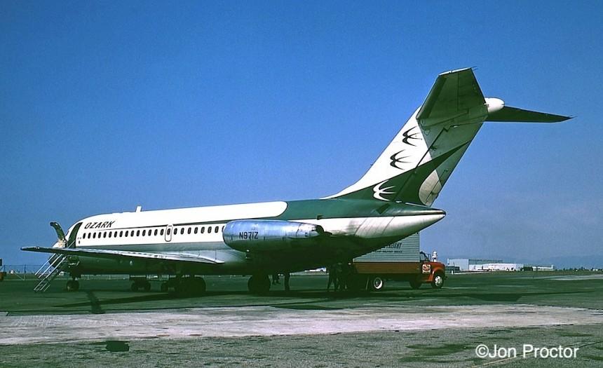 156 DC-9-15 N971Z LAX 10:71 Bob Proctor