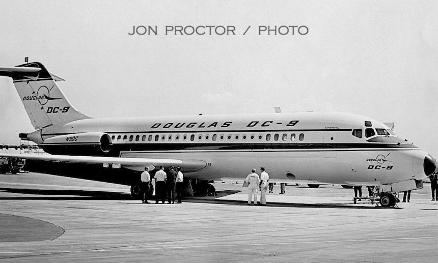 16-DC-9-14 N9DC LAX 5:65-bw