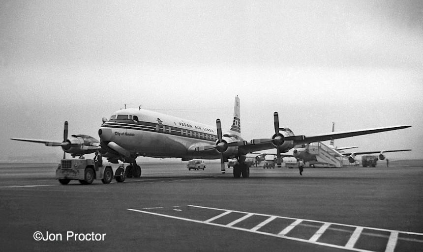 17 DC-7C JA6302 LAX 3:4:60