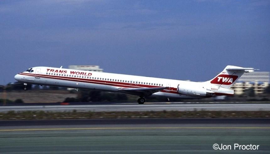 177 DC-9-82 N955U LAX 9:23:94