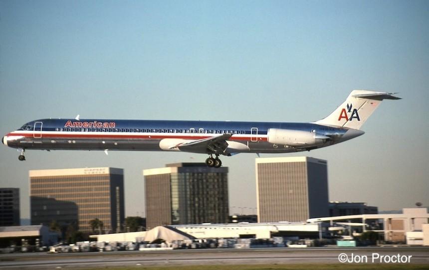 179 DC-9-82 N418AA LAX 12:27:97-H