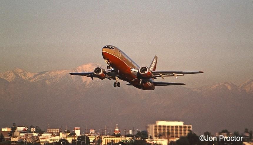 181 737-3H4 N338SW LAX 12-27-97