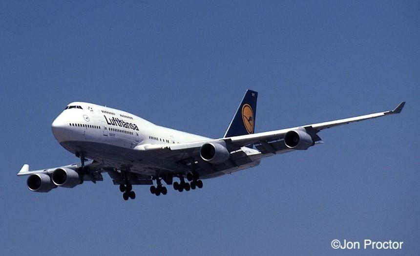 182 747-430 D-ABVT LAX 7:25:99-H