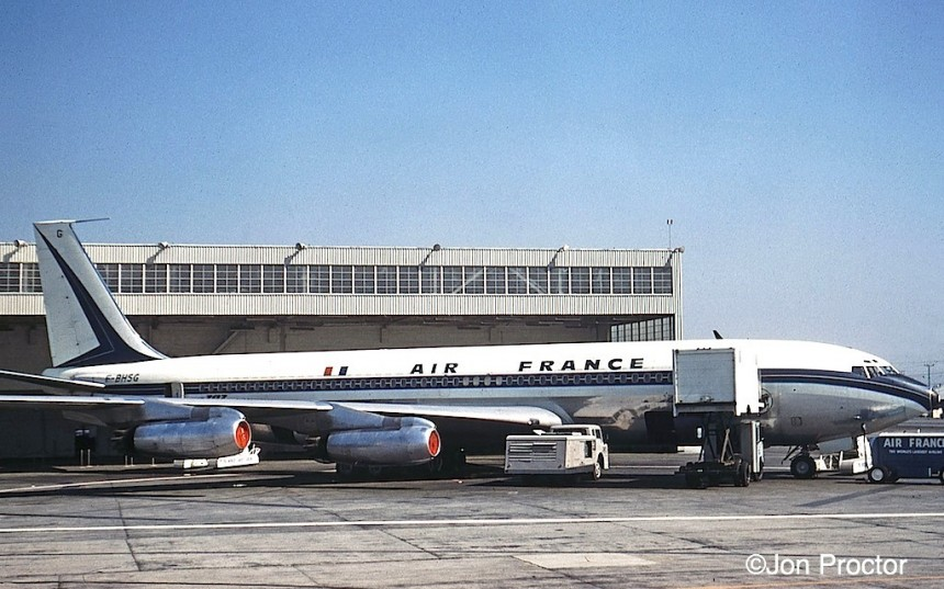26 707-328 F-BHSG LAX 4:61 Bob Proctor-- change positions