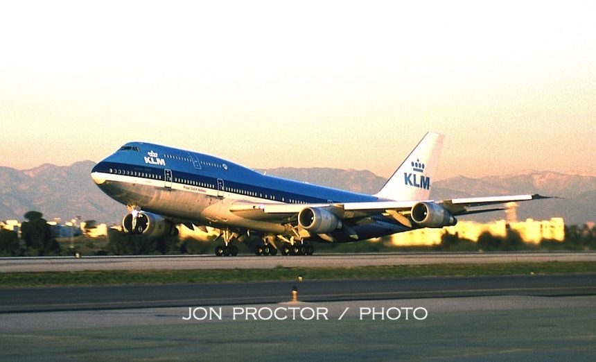 4 747-206B SUD PH-BUP LAX 12:27:97