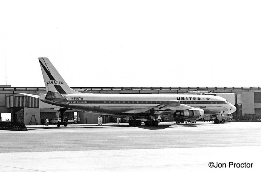 68 DC-8-51 N8007U LAX 2:18:64*