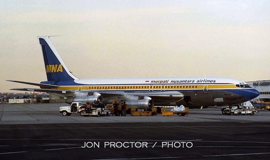 707-138B N107BN LAX 4:78
