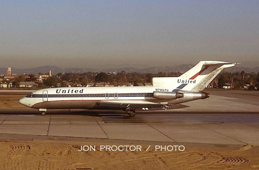727-22 N7057U LAX 11-28-1972 CO DC-10
