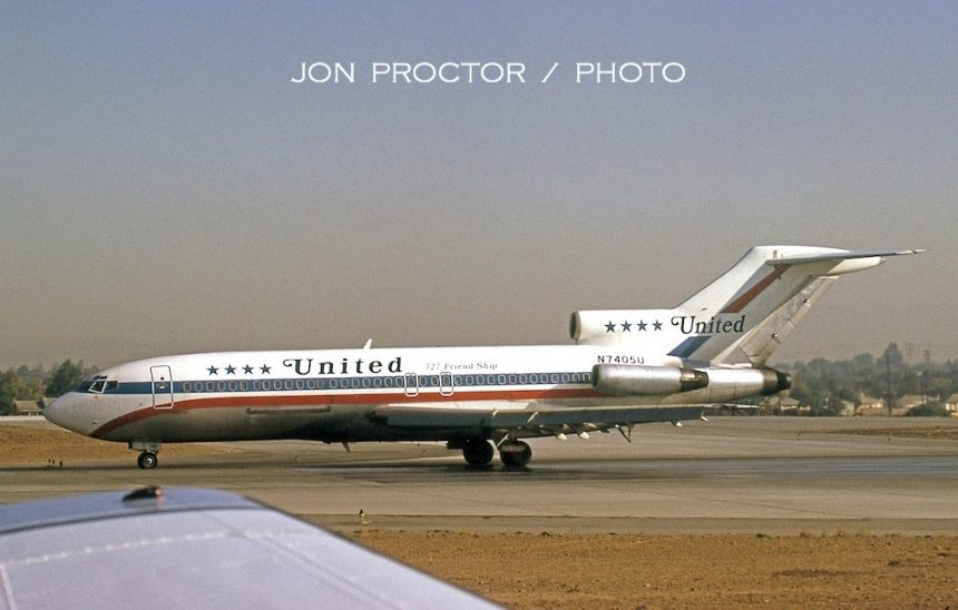 727-22C N7405U LAX 9-20-1972-Beechcraft King Air