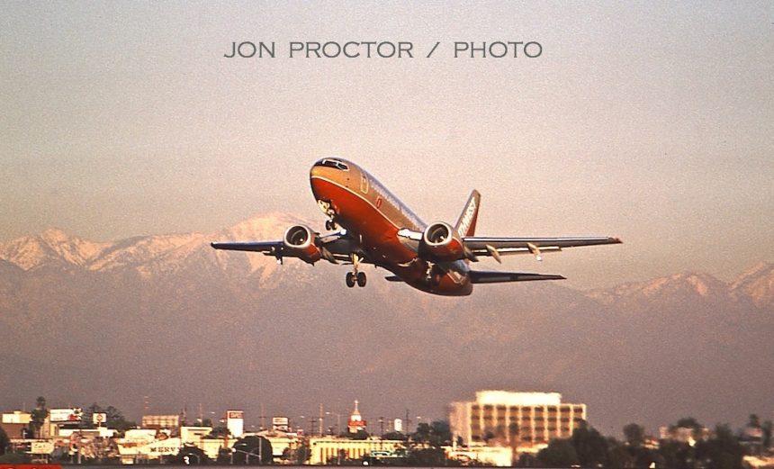 737-3H4 N338SW LAX 12-27-97