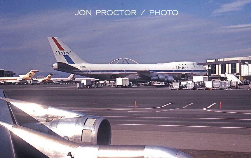 747-122 N4703U LAX 12:14:70