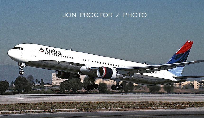 767-432ER N836MH LAX 12:28:00