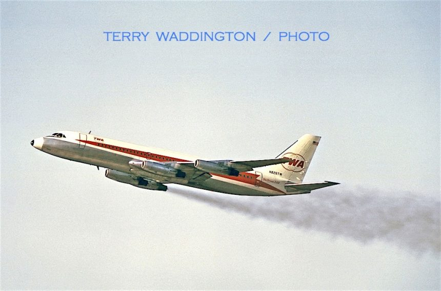 CV-880 N826TW LAX 1967 Terry Waddington-7315677