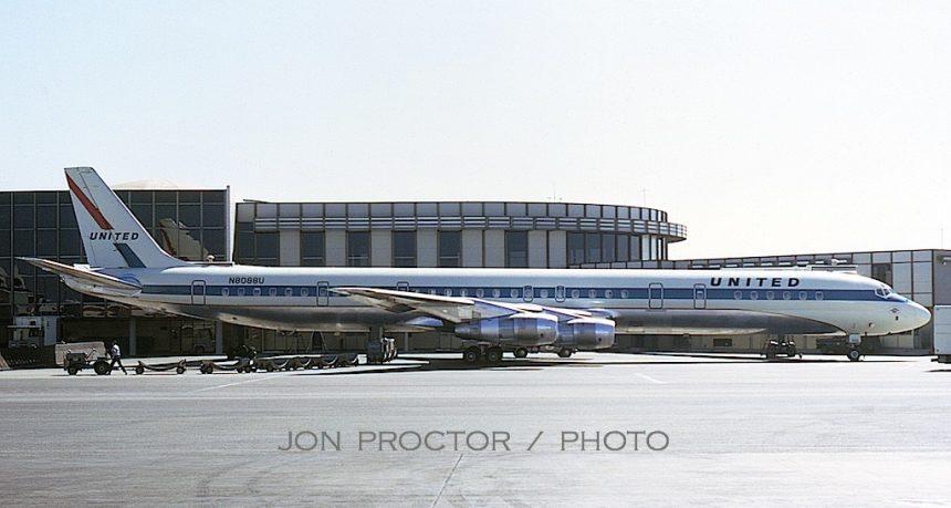 DC-8-61 N8088U LAX 8:21:68