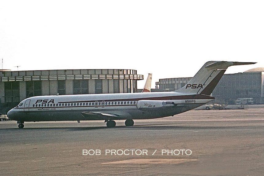 DC-9-31 N981PS LAX 06-68 Bob Proctor