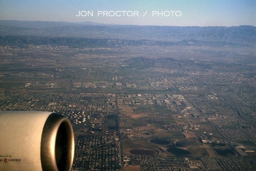 LAX-DL-aerial-N8808E-2:13:65