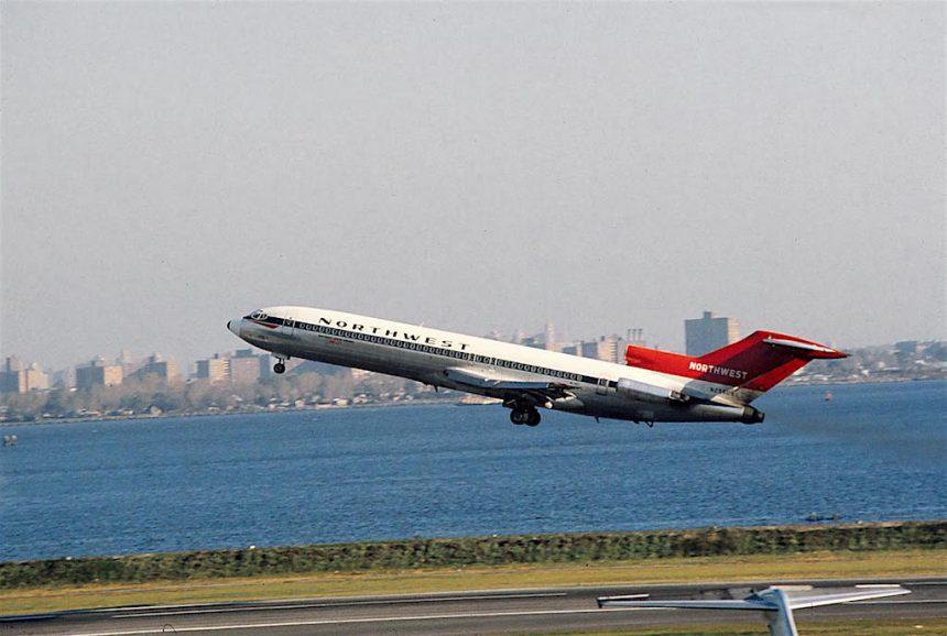 727-251-n256us-lga-11-11-1971
