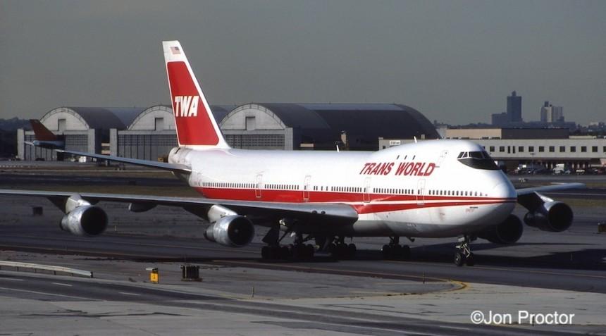 747-131 N93104 JFK 10:15:84