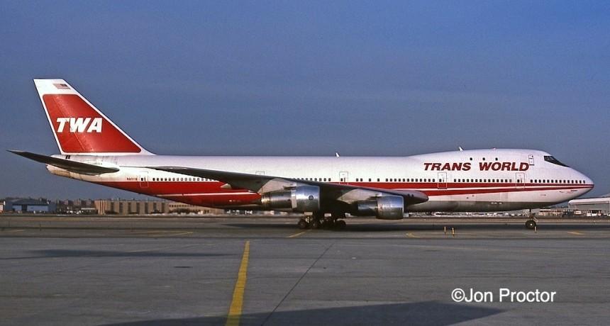 747-131 N93119 JFK 2:16:85-H