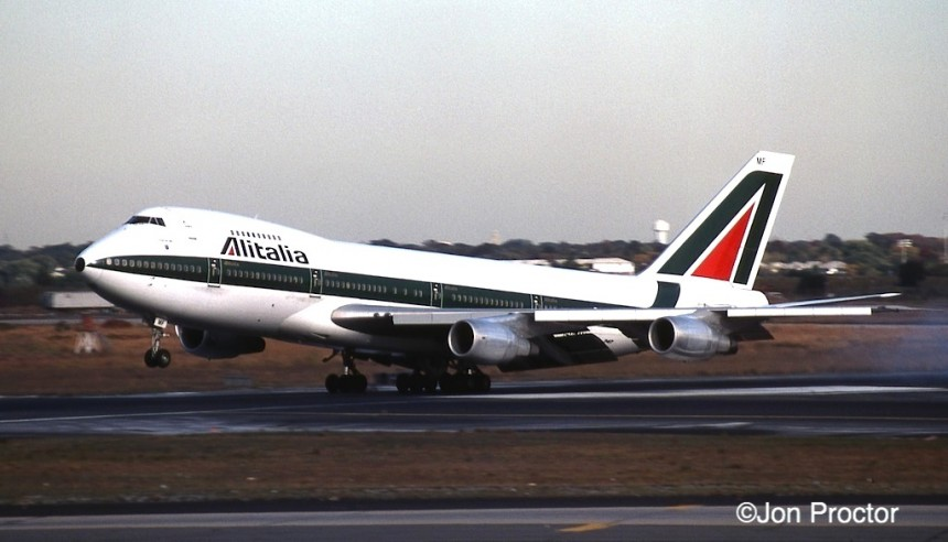747-243B I-DEMF JFK 10:17:84