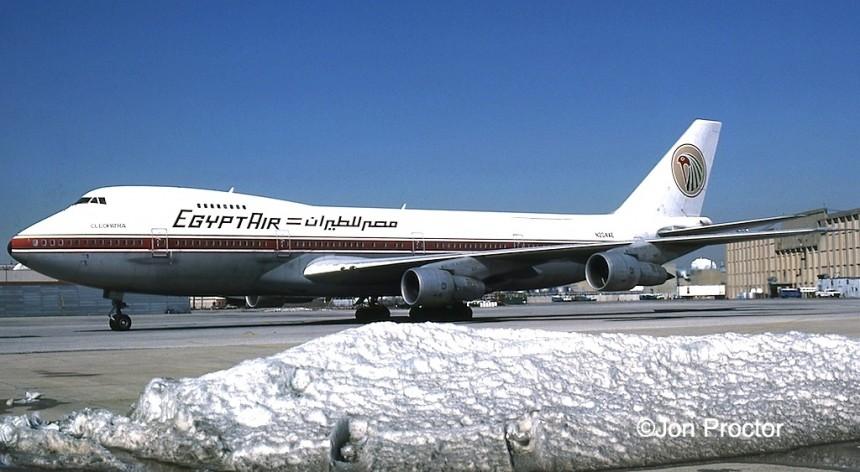 747-2B4B N204AE JFK 3:1:86