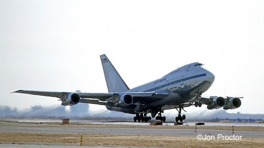 747PS-21 N540PA JFK 03-01-1986