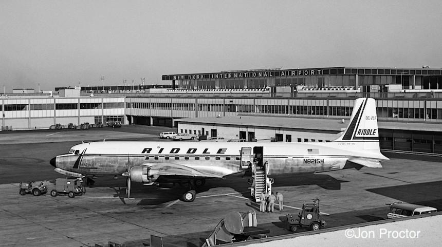 9 DC-7CF N8215H IDL 7:27:62-cr