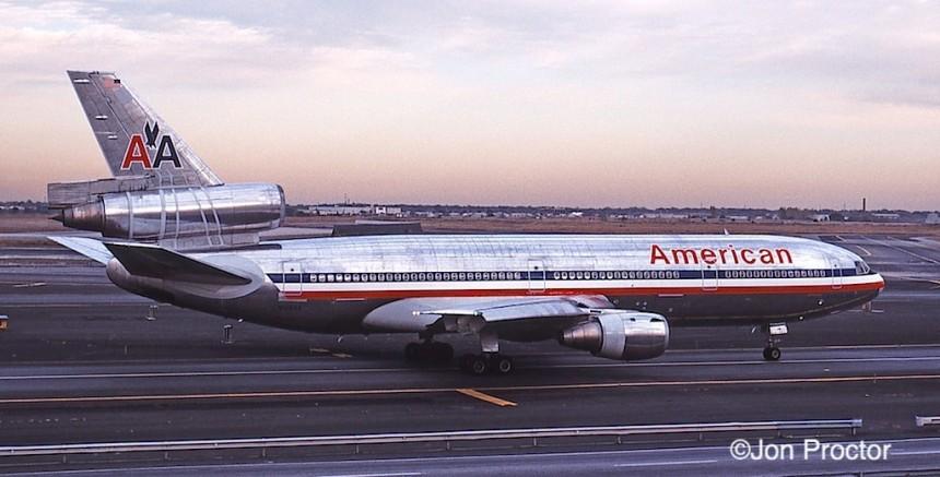 DC-10-10 N146AA JFK 10:15:84-2
