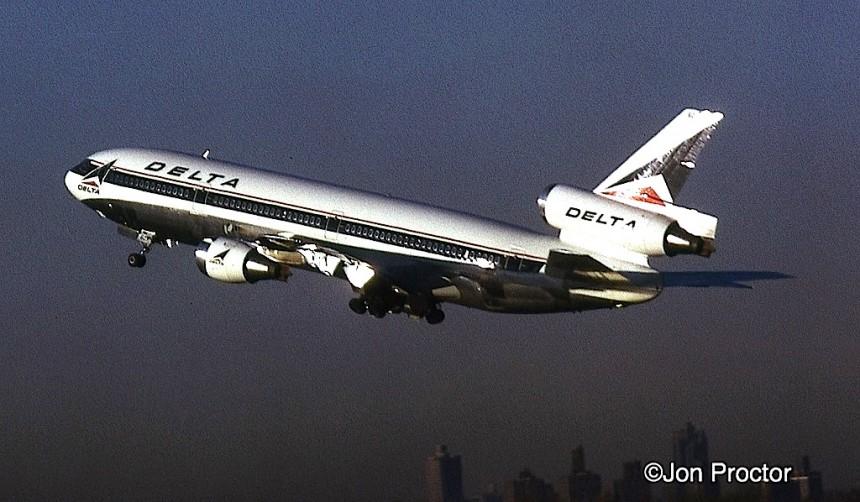 DC-10 N603DA LGA 2:13:73-E