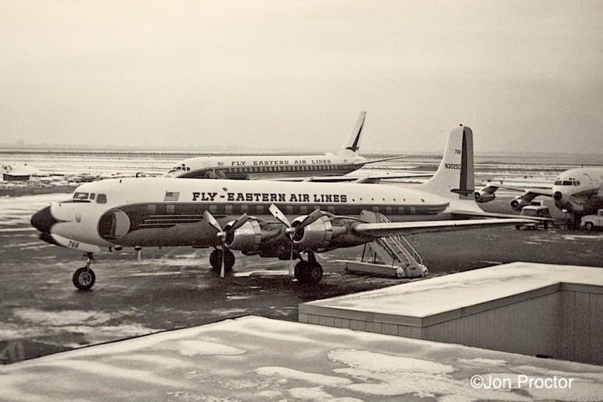 DC-6B EA N3025C IDL 12:26:61