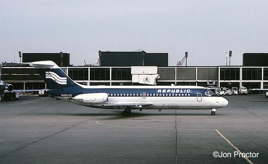 117 DC-9-14 N8906E ORD 6:13:80