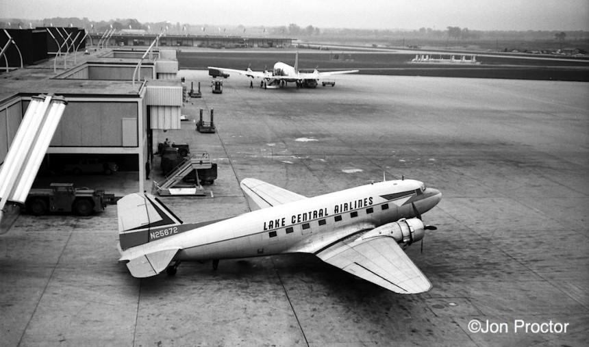 67 DC-3 N25672 ORD 1962 Bob Proctor