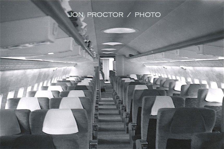 707-131-N739TW-interior-ORD-959