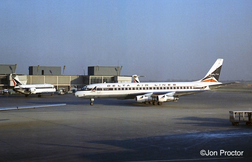 93 DC-8-51 N803E ORD-10:30:68