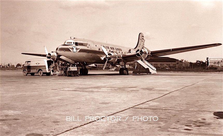 DC-4 N88818 MDW 1948 Bill Proctor-7774318