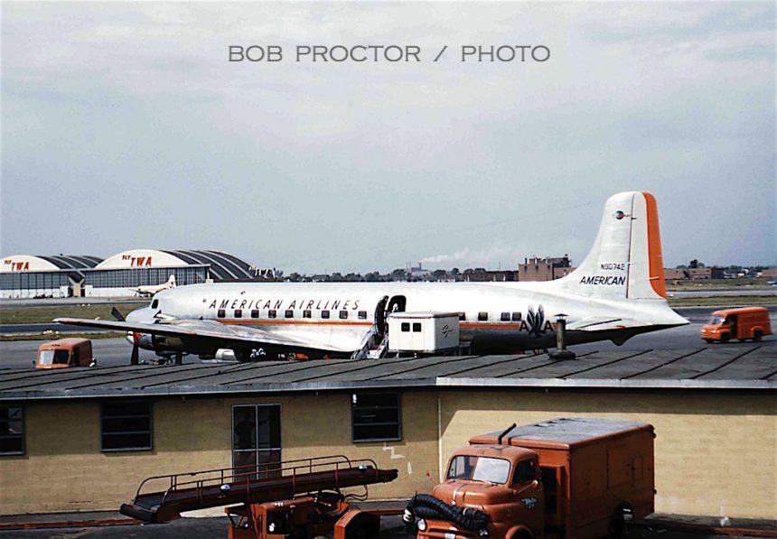 DC-6 N90742 MDW Bob Proctor