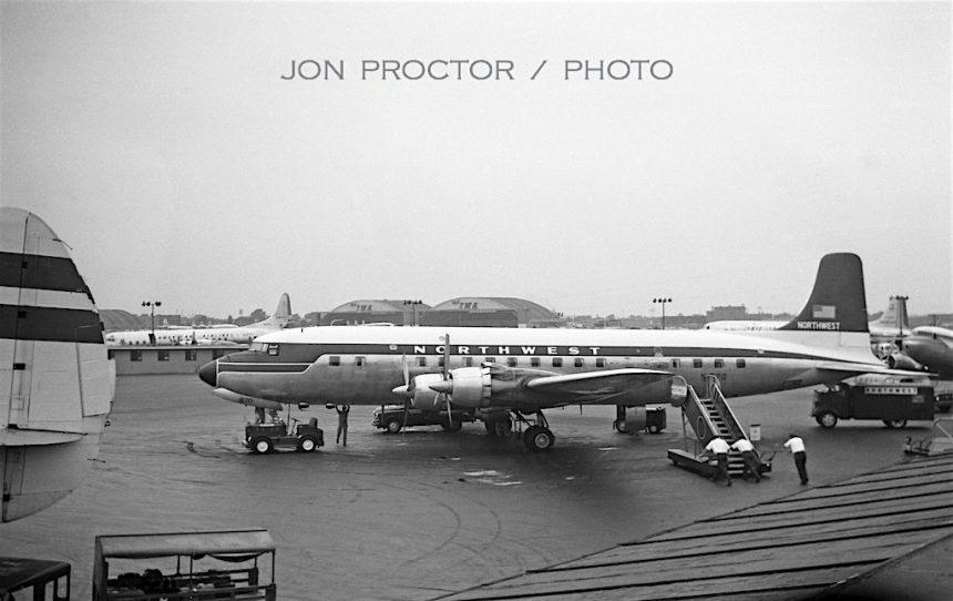 DC-6B-N570-MDW-9159-64012041