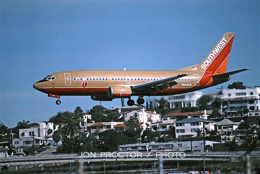 737-3H4 N644SW SAN 01-03
