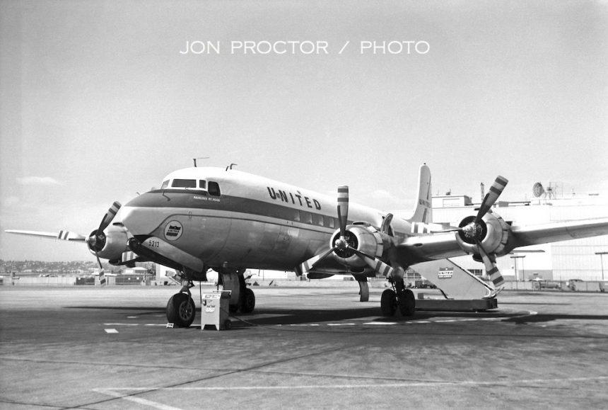 DC-6 N37513 SAN 1958