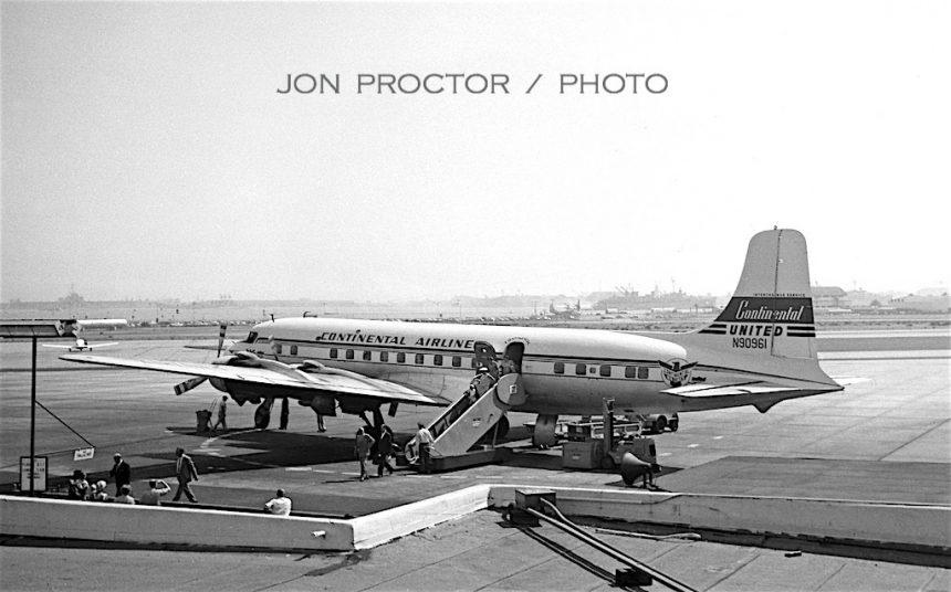 DC-6B N90961 CO:UA SAN 8:10:59-7675843