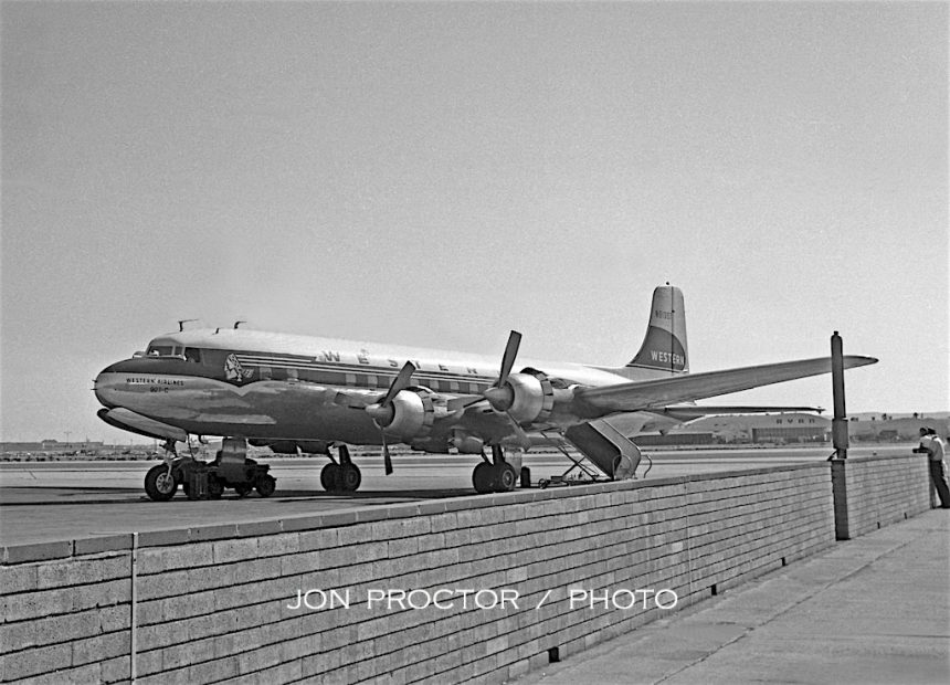 DC-6B N91307 SAN 08-20-58-1-7402477
