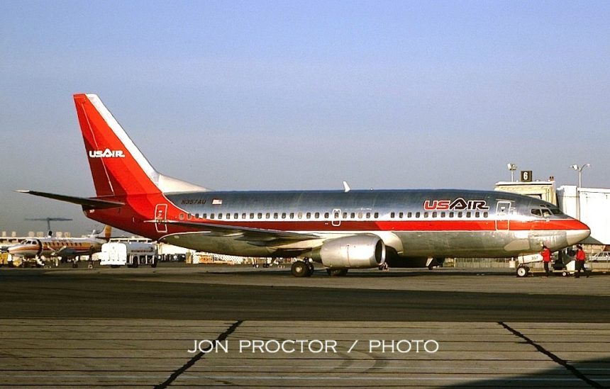 737-3B7 N357AU PHX 2:85
