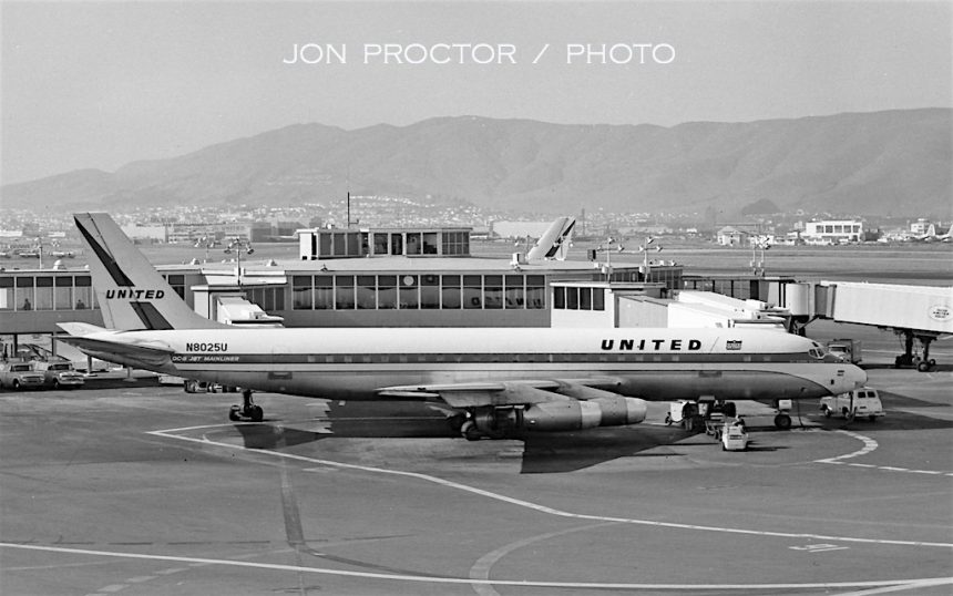 DC-8-21 N8025U SFO 3:10:63-7765490
