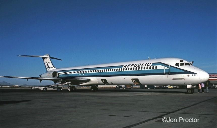 DC-9-82 N307RC TUS 2:84