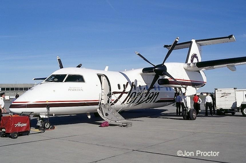 DHC-8-Q202 N350PH GEG 03-29-1998