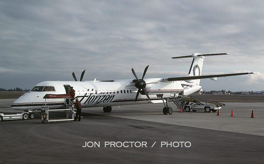 DHC8-400 N403QX GEG 05-16-01