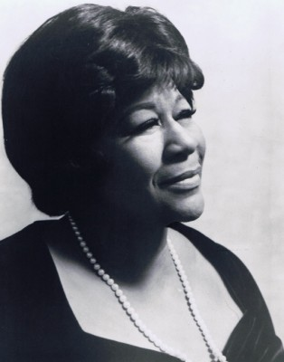 A picture of the legendary Ella Fitzgerald from her official website, http://www.ellafitzgerald.com/
